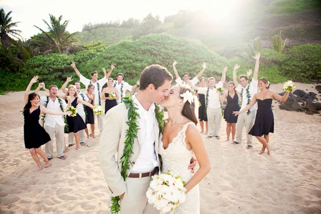 White sand goes well with wedding fashion.